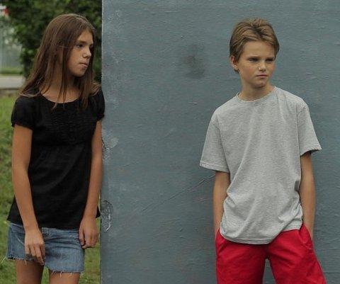 Guttejente. Jeanne Disson (til venstre) som Lisa og Zoé Héran som Laure/Mikäel i «Tomboy». Foto: filmweb.no