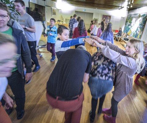 Dans: Alle måtte også innom dans og sang i løpet av kursetfoto:christian clausen