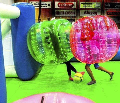 Eller «kroppsfotball» var ett av tilbudene på fredag, da temaet var «Action games».