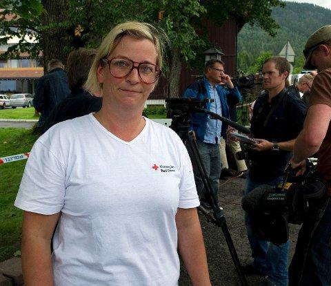- Vi gir oss ikke før vi har funnet alle de savnede, sier Astrid Arnslett