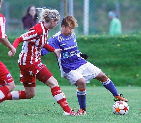 Cecilie Pedersen (t.v.) får tidligere Haugar-spiller Meryll Abrahamsen som lagvenninne neste sesong.