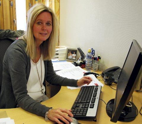 STORE TALL: Tone Bergfall hadde jobben med å legge inn giverresultatene på www.giverstafett.no.