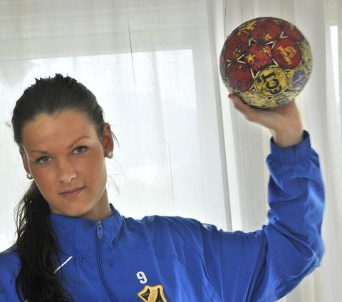 Hardtskytende: Kristin Saugstad er kjent for sitt harde skudd, med venstre hand.