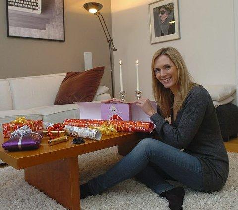 Eva-Charlotte liker jula og pakker gjerne inn gavene selv.