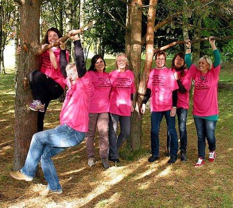 PSYKISK HELSE: På bildet fra venstre: Vibeke Aspevoll, Tor Skjærsvold, Margrethe Greiner Nilsen, Anne Løvlie, Hanne Damm, Ellen Jenserud, og Annette Kagiavas. Foto: Geir Gustavsen.