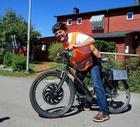 LANGTUR: Svein Medhus, leder av Miljøpartiet De Grønne, vil ha statlig investeringsstøtte på solcellepanel.