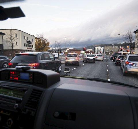 Kreftings gate er en av de verste gatene. Høye kantsteiner fører til at bilene ikke klarer å kjøre ut for ambulansen.