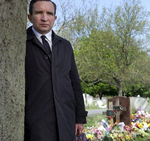 Ensom tilværelse: Eddie Marsan leverer stor skuespillerkunst i «Still Life» som allerede har vunnet flere priser. Foto: Filmweb.