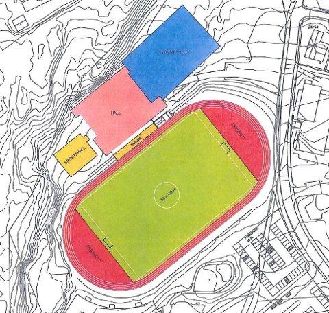 Den blå firkanten er ny svømmehall, den rosa er en oppjustert frognhall og den oransje er boksehallen. På fotballbanen blir det undervarme og kunstgress. Det er også vedtatt å bygge løpebane med kunstdekke.