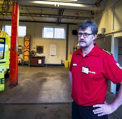 Stasjonsleder Tor Birger Jeppesen, ser alvorlig på sit- uasjonen. – Vi har pasienter som må ha behandling innen en viss tid.