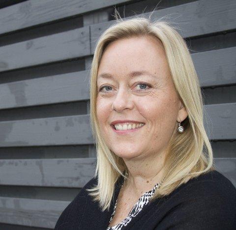 BOK NR. 2: Kari Nygaard  som er født på Tynset, men nå bor i Haugesund, er klar med sin andre roman.Foto: Trine Styve Varlo