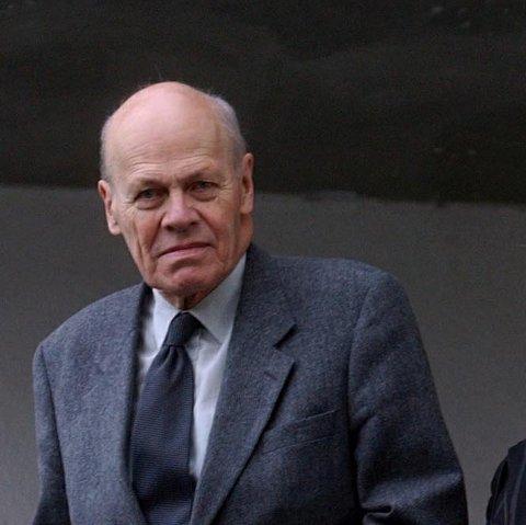 Høyre-veteranen Svenn Stray døde 20. mai i år.