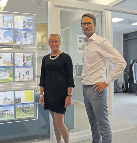 Stor Interesse: Carina Tilley og Anders Borgen hos Attentus opplever at Oslo-folk allerede jakter på bolig opp mot flyttingen til veterinærhøyskolen. Foto: Monika S. Risens