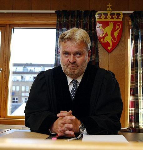 Per Annstein Aarvik har ikke bestemt seg for om han vil bringe diskrimineringssaken videre til Likestillings - og diskrimineringsnemnda.