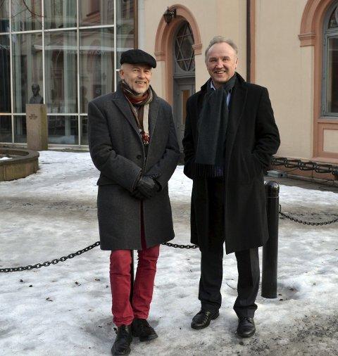 Sogneprest Ivar Flaten (t.v.) og Hans Arne Odde fra Foreningen Drammens Teater.