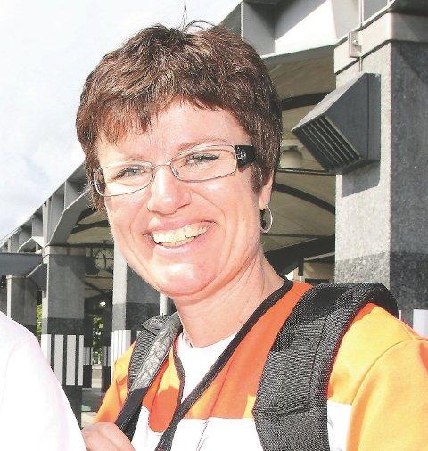 RESTRIKTIV: Hverken 40-grense eller, for den saks skyld, fotgjengerfelt, løser trafikksikkerhetsproblemene i Røykenveien, mener seksjonsleder Marita Birkeland i Statens vegvesen.