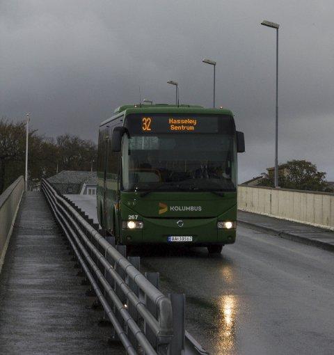 Historie?: Bussrutene til Risøy og Hasseløy foreslås nedlagt fra sommeren 2015.Foto: Espen Løvvik