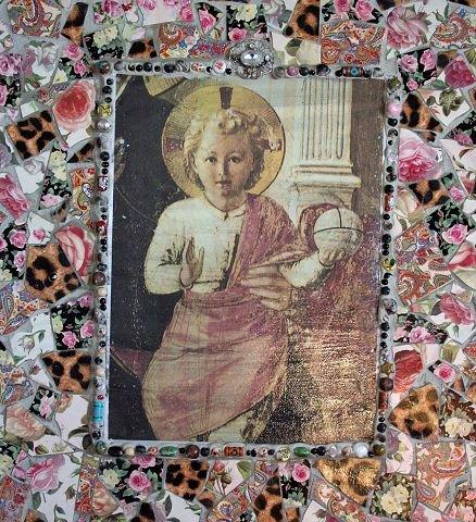 $SUBT_ON$MOSAIKK.$SUBT_OFF$ Lillann Svendsrud lager blant annet mosaikkbilder med religiøse motiver.