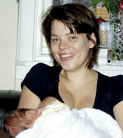 Bærum Sykehus 29. desember: Vakre lille Cornelius kom til verden. Hun var 50 cm lang og veide 3.220 gram Fornøyde foreldre er Tina Maurstad Marents og Remi Marents. Foto: Privat