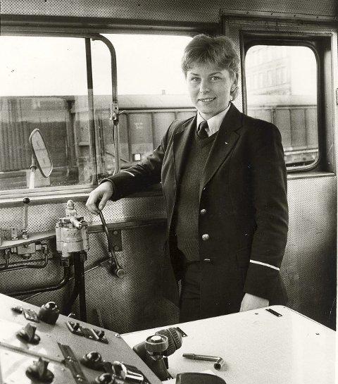 Kari-Sofie Jenssen, Norges første kvinnelige lokfører. (Foto: Privat)