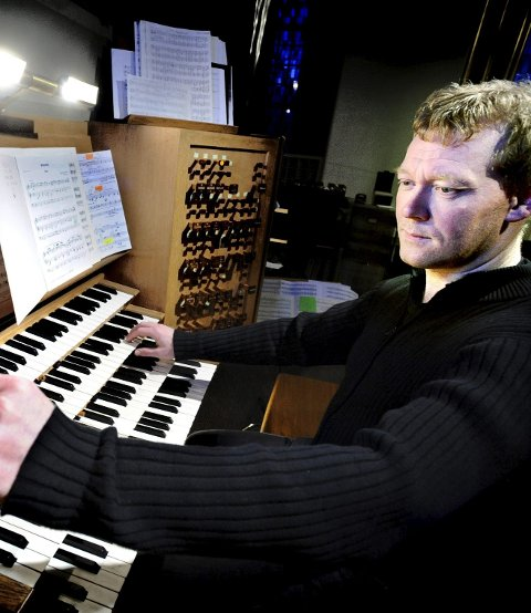 Bidrar: Domkantor Dan René Dahl har skrevet ny musikk til messen.