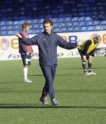 Drammen-trener Håkon Grøttland setter press på sine spillere når han nå karakteriserer dagens kamp mot Fyllingen som «vinn eller forsvinn».