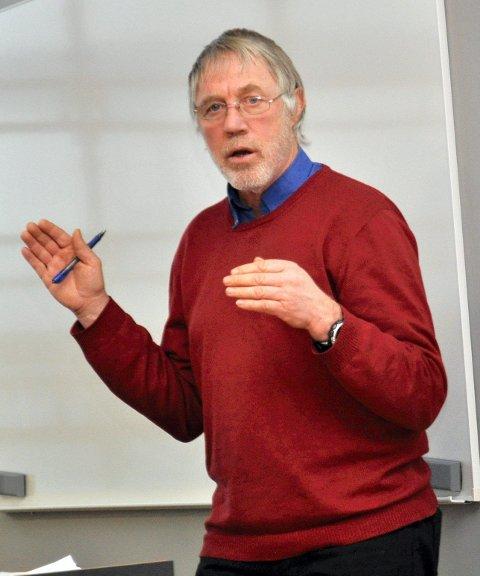 GODKJENT: Plansjef Tore Rolf Lund kunne forteller at området er regulert og godkjent til campusbruk.