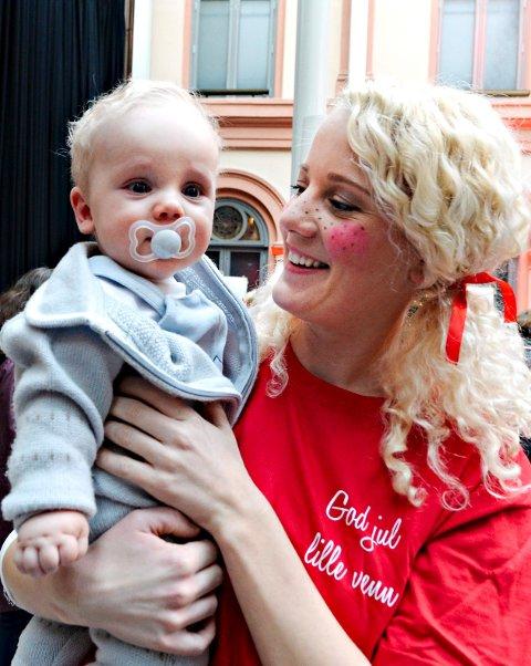 Anniken Hjelde brenner ekstra sterkt for «God jul, lille venn», etter at hun ble mamma til lille Will (snart 8 md.).