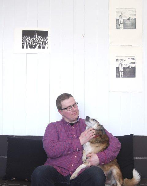 Helten: Hunden «Marco» har vært Vikses følgesvenn de siste 13 årene- – Det var han som fikk meg ut av godstolen. Han er absolutt en av mine helter, sier billedkunstneren.