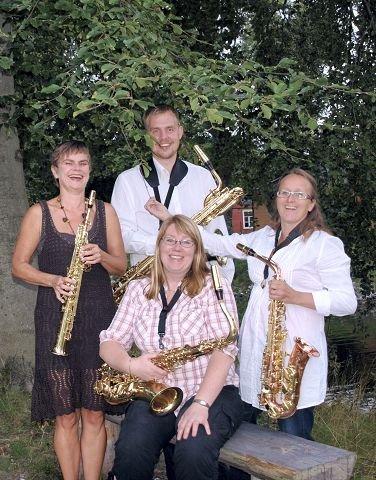 Inger Helen Sveum (foran), Vibeke Breian, Bjarne Herbjørnrød og Heidi Christine Holm-Stømer spiller på Ås lørdag.