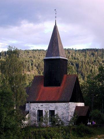 <B>Olsok.</B> I Fiskum gamle kirke blir det gregoriansk sang Olsok-kvelden.
