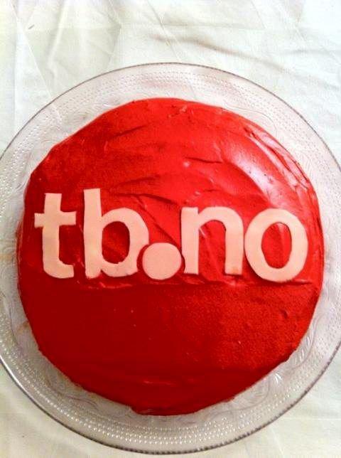 $CUT_ON$«TB-leserne tar kaka. I dag takker vi våre venner med gigantkake.»$CUT_OFF$