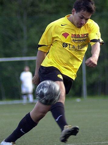 SCORET. Thorleif Molvær scoret igjen for Åskollen i går. FOTO: PER ABRAHAM GRENNÆS