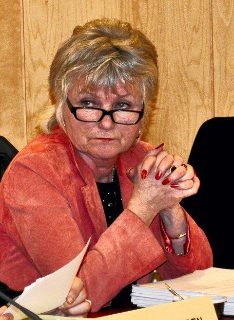 INGEN NETTBRUKER: Torild Brække foreslo saksdokumenter på papir mens politikerne får opplæring på nettbrett. Hun fikk støtte. Foto: Guri Larsen