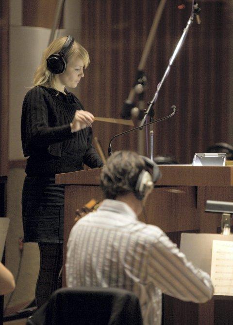 DIRIGENT: Christine kan også å dirigere.