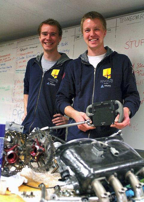 SAMBYGDINGER Kristoffer Kjærnes (24) og Mads Aasvik (24) fra Våler studerer begge til sivilingeniør i Trondheim.