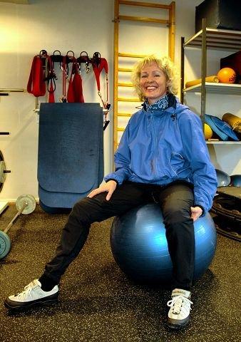 SPENT: Fysioterapeut Marit Horst Eggen tror det er mulig å forebygge bekkenplager i svangerskapet ved hjelp av informasjon og enkle øvelser. $BYLINE_ON$Foto: Merete N. Netteland$BYLINE_OFF$