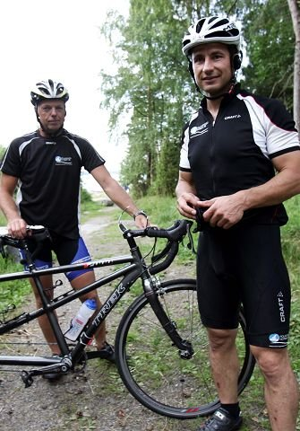16 timer og 26 minutter brukte duoen på Norseman Xtreme Triathlon.