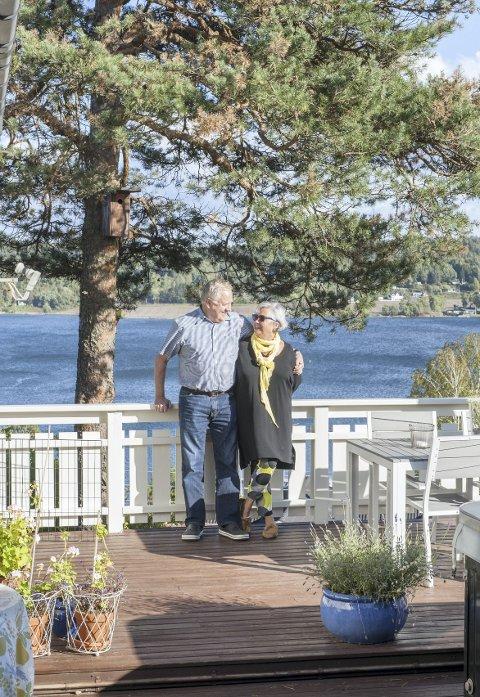 FLOTT UTSIKT: Svein-Erik og Tove bor i stille og rolige omgivelser i  Solnesåsen, og her har de tenkt å bli.