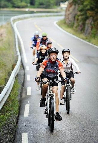 FJORDEN RUNDT. Drammensfjorden Rundt ble arrangert for 43. gang og går over hele 55 kilometer. FOTO: TORE SANDBERG