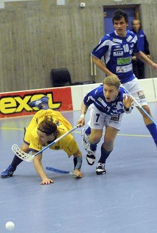 TAPTE. Christopher Jaksland (nr. 7) og Mathias Knutsen (bak) tapte mot Tunet og Max Andersson. FOTO: ROY JOHNSEN