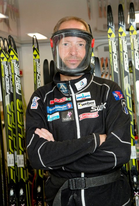 Morten Hegle Svendsen bruker maske med vifteenhet på ryggen, men så avansert trenger ikke mosjonistene å være.