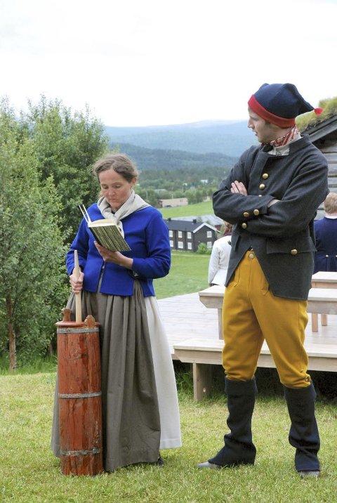 FORSTYRRES: Sara blir forstyrret i kinningen av naboen, spilt av Lars Tingelstad.