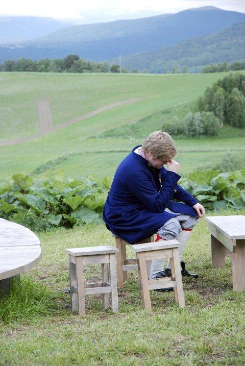 OPPGITT: Andreas Moen spiller en fortvilt lensmann som slett ikke har lyst til å fengsle Sara.
