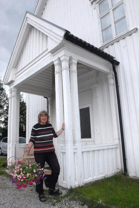 SORGGRUPPE: Tynset kirkekontor, ved sokneprest Anne Inger Lunner og diakon Marianne Konow (bildet), ønsker å gi et tilbud om sorggruppe for voksne. Arkivfoto: Tore S. Rasmussen