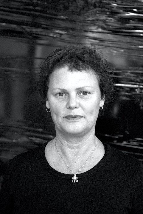 HJEM IGJEN: Skuespiller Christine Stoesen kommer med Riksteatret til hjemlige trakter i ettermiddag. Foto: Lars O. Flydal