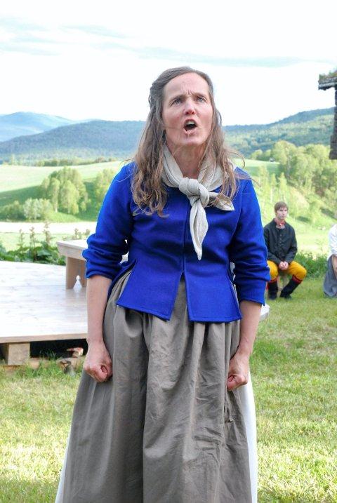 HARME: Sara er sint på at noen mener hun bør være hjemme og stelle garden i stedet for å reise rundt og predikere.