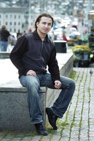 <b>NESTLEDER.</b> Senol Karagøz er nestleder i innvandrerrådet, og håper at alt vil ordne seg når årsmøtet er utsatt. FOTO: TORE SANDBERG