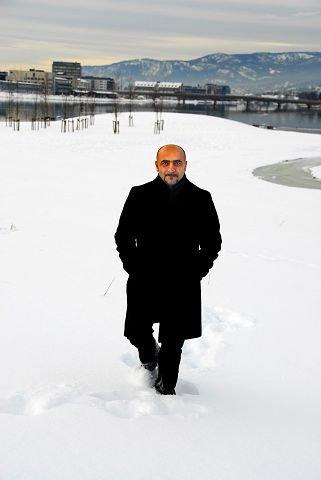 mange vil hjem. Norsktyrker og SV-politiker Sadi Emeci sier tyrkere som bor i Norge er svært knyttet til Tyrkia. Han er ikke overrasket over undersøkelsen som viser at tyrker føler liten tilhørighet til Norge. Foto: Nils J. maudal