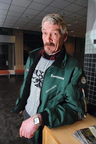 KRITISK: Ivar Henning Nystrand, Jømna, leder i Søndre Elverum arbeiderlag ser ingen grunn til legge ned arbeiderlaget. $BYLINE_ON$Arkivfoto: Rune Hagen$BYLINE_OFF$